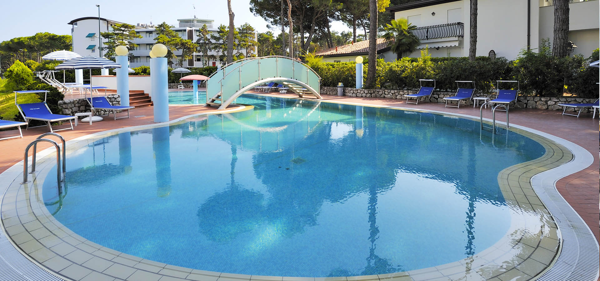 hotel with swimming pool in Lignano